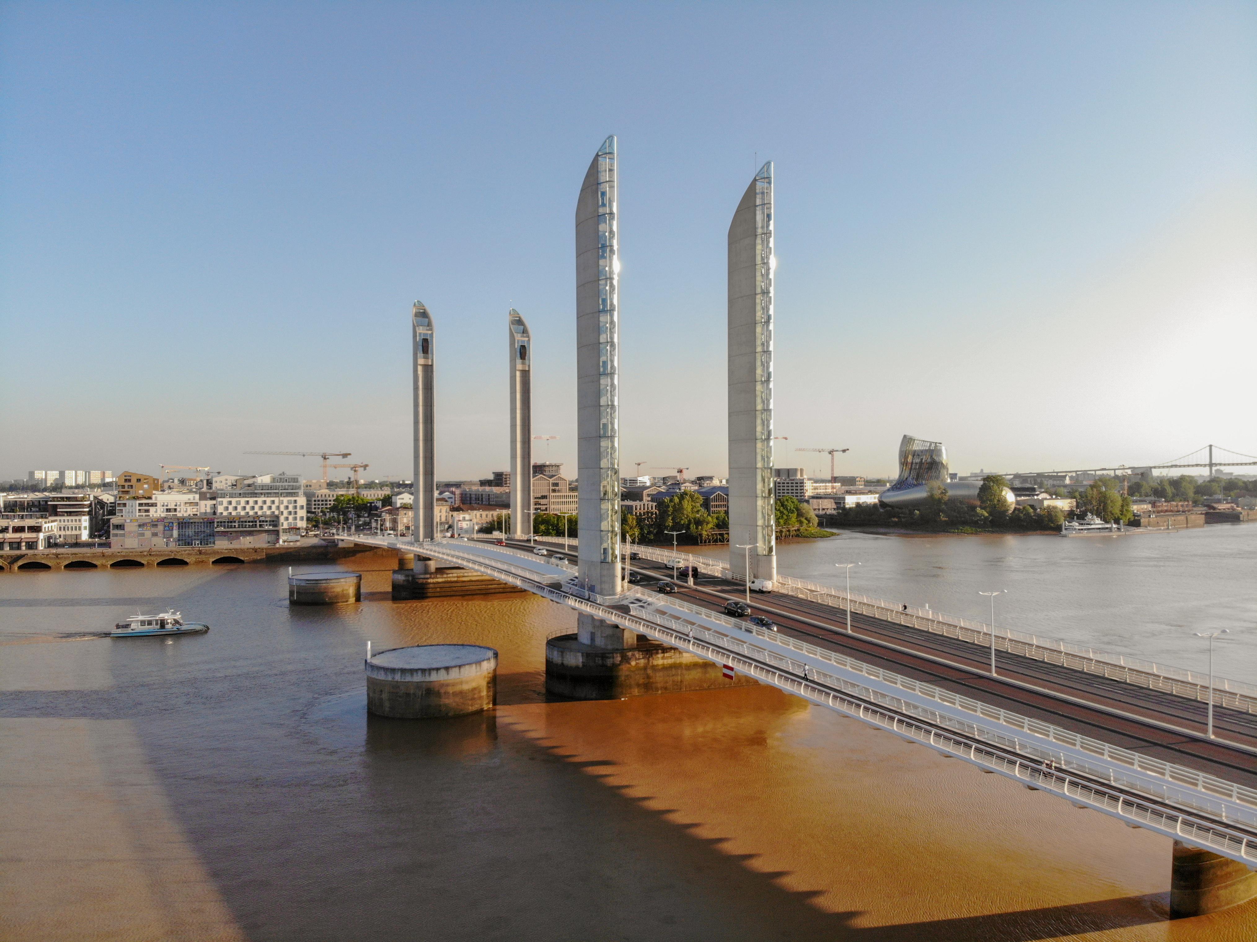 Pont Jacques Chaban Delmas - Bordeaux mon amour